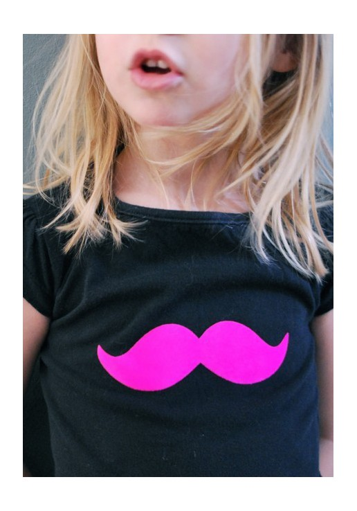 Motif thermocollant moustache
