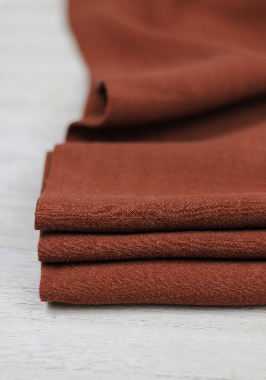 Tissu lin de couleur brique pour coudre par exemple un modèle de chemise homme